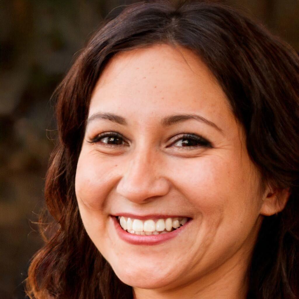 Silvia Brown author of 1001doggy.com